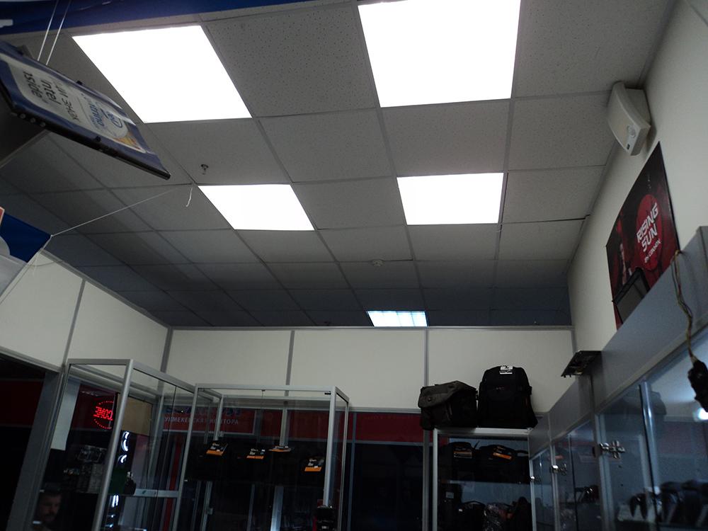 Освещение светодиодными светильниками торгового помещения